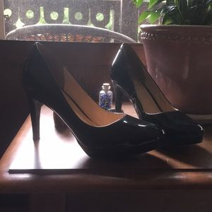 Cole Haan Black patent leather 4 in pumps